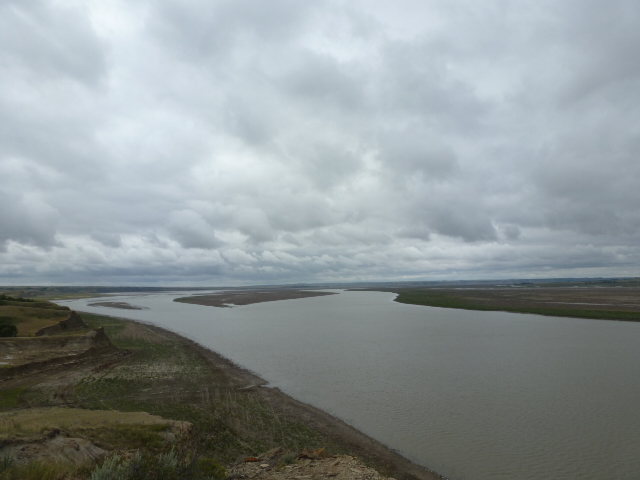 Lake Sakakawea-178 miles long