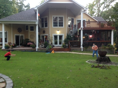 Dale and Meriam Sanders' home in Memphis, TN, where I am laying over. Sweet!